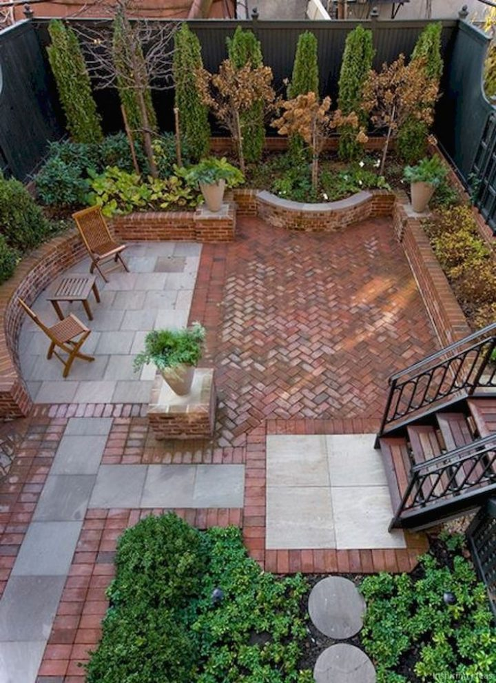Stunning patio ideas with cobblestones and grass
