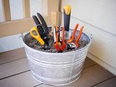 6 simple tips to keep your gardening tools | Betty Garden